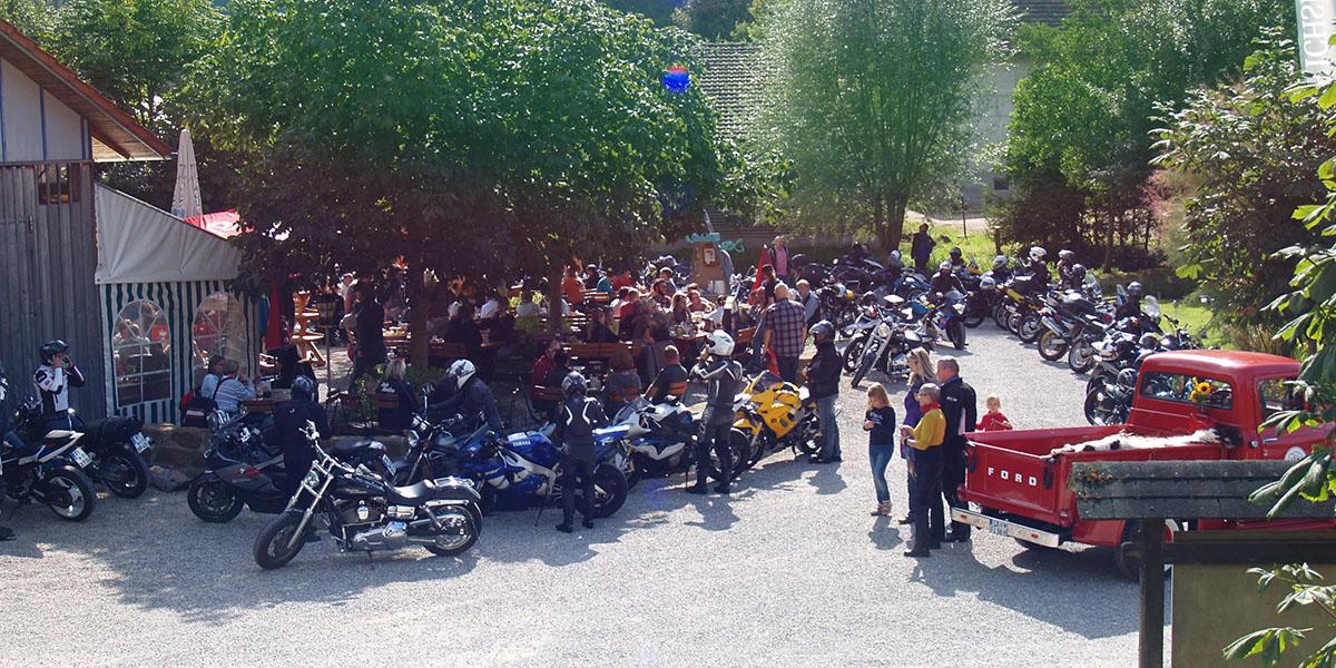 Geheimtipp für Motorradfahrer Bootshaus Bichishausen