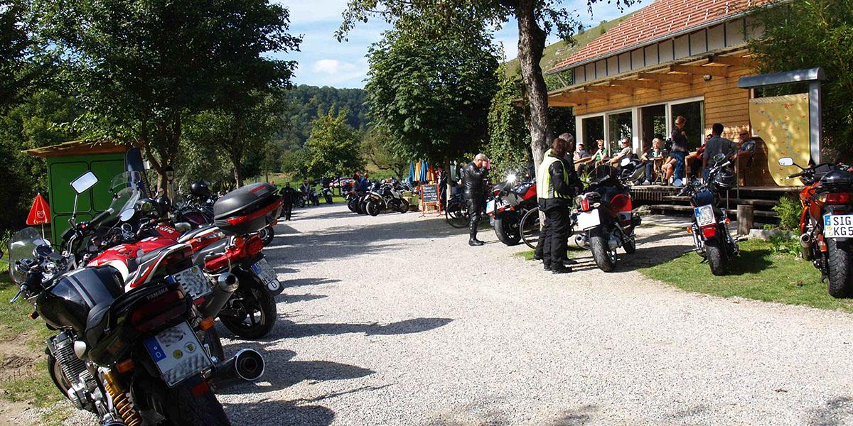 Geheimtipp Motorradfahrer am Bootshaus Bichishausen