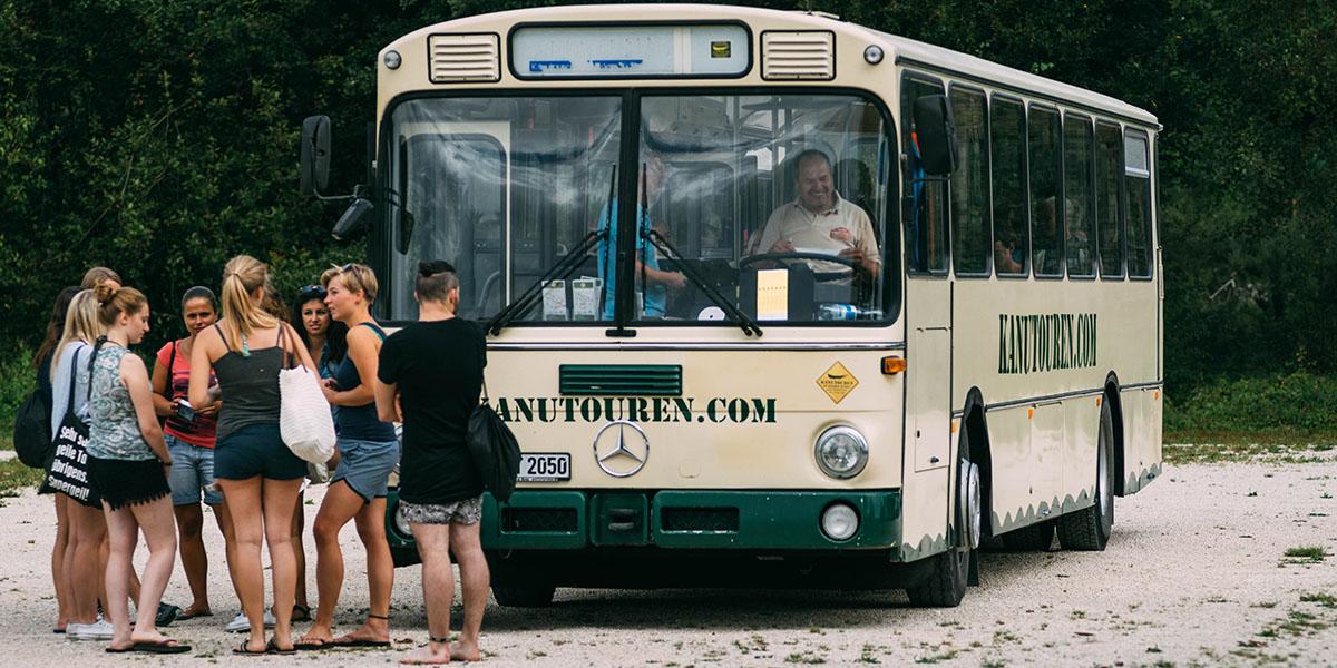 Der Bustransfer für deine Kanutour